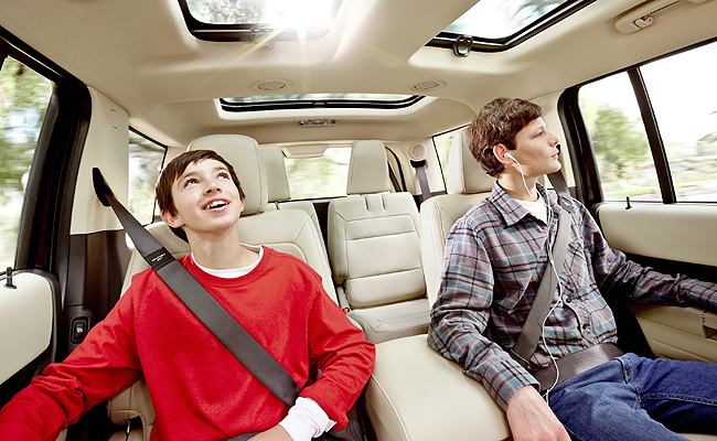 TopGear.com.ph Philippine Car News - Ford licenses its patented inflatable seatbelt system