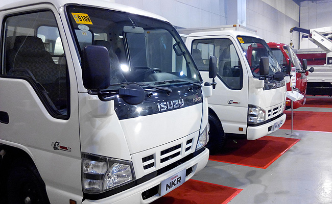 TopGear.com.ph Philippine Car News - Isuzu PH opens 2014 Truck Fest at SMX Convention Center