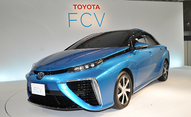 TopGear.com.ph Philippine Car News - Toyota's production-model fuel-cell sedan to go on sale next year