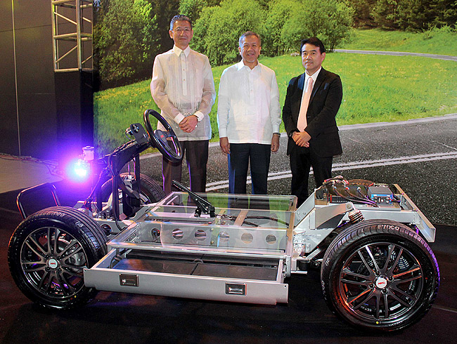 Japanese firm, PH golf kart distributor to manufacture economical EVs