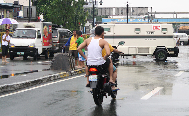 TopGear.com.ph Philippine Car News - Ban against pillion motorcycle riders could become nationwide