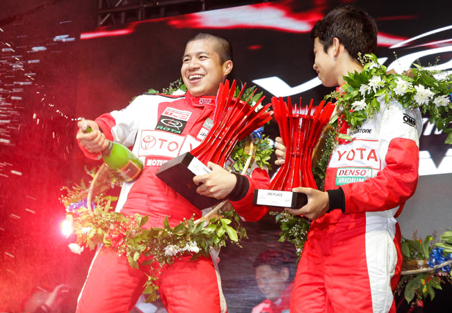Vios Cup drivers Jason Choachuy and Luis Gono