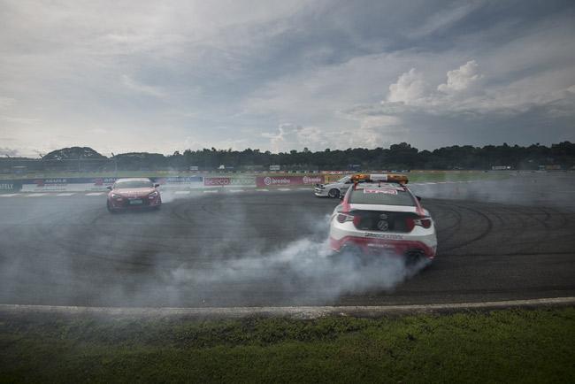 2014 Vios Cup Leg 2: The smoking tires and the car club runs