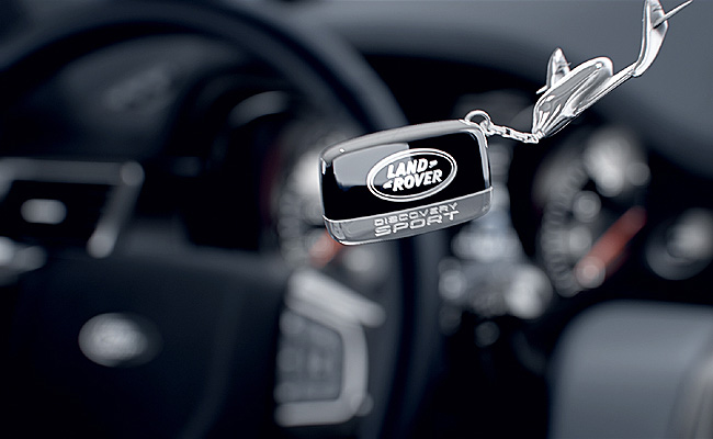 TopGear.com.ph Philippine Car News - Land Rover teases interior of upcoming Discovery Sport
