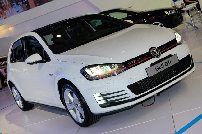 Volkswagen Golf GTI at PIMS 2014