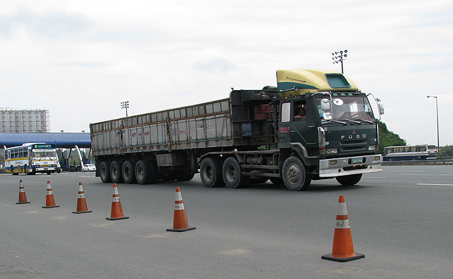 TopGear.com.ph Philippine Car News - Solon seeks mandatory driver education for truck drivers