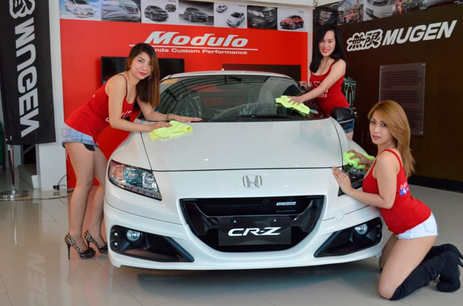 Honda Cars Greenhills car wash babes