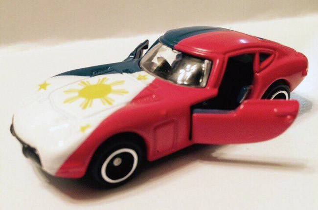 Tomica Toyota 2000GT with Philippine flag