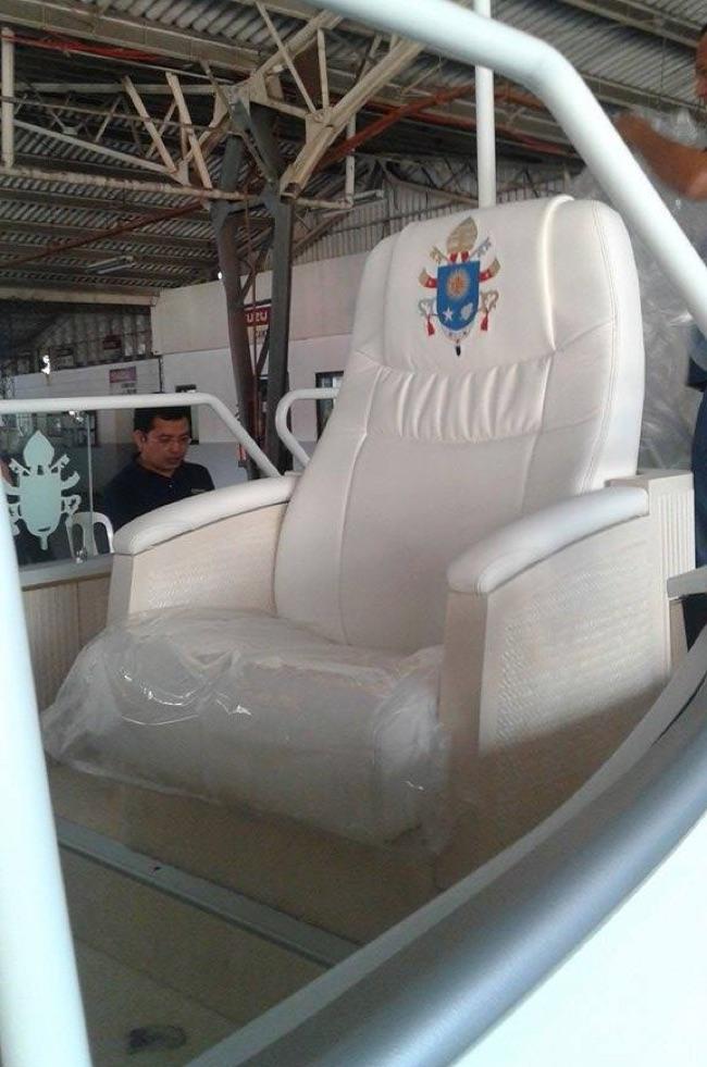 Isuzu D-Max Popemobile