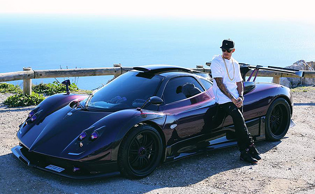 TopGear.com.ph Philippine Car News - Lewis Hamilton shows off photos of his one-of-one Pagani Zonda