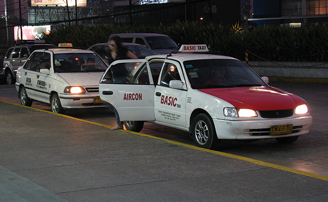 TopGear.com.ph Philippine Car News - Solon wants taxis to disable child-proof lock to prevent crimes