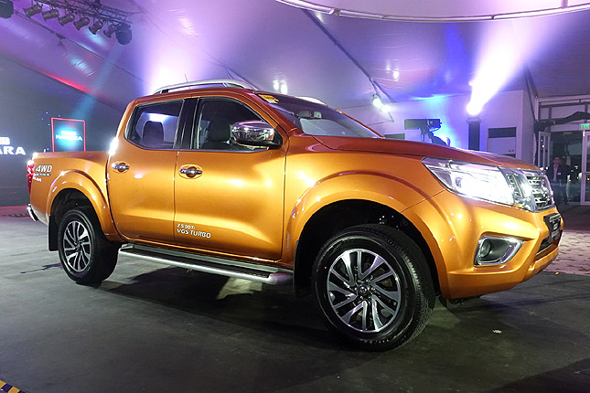 Nissan NP300 Navara: variants, specs, colors