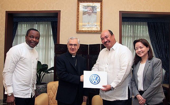 TopGear.com.ph Philippine Car News - Volkswagen PH turns over Touran 'Popemobile' to Manila Nunciature