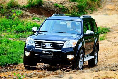 Ford_Everest_Off_Road_2.jpg