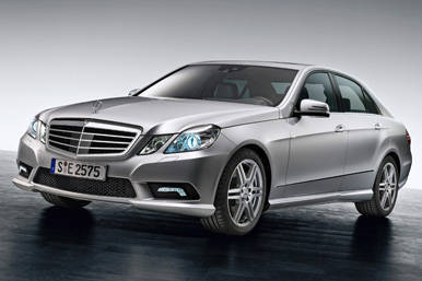 Mercedes-Benz-E-Class,-exterior,-E-500-AVANTGARDE-with-AMG-Sports-Package-(1)_1.jpg