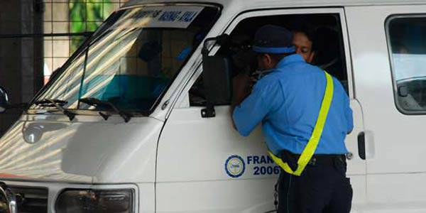 "TopGear.com.ph Philippine Car News - Solon files ""Kotong Act of 2010"""