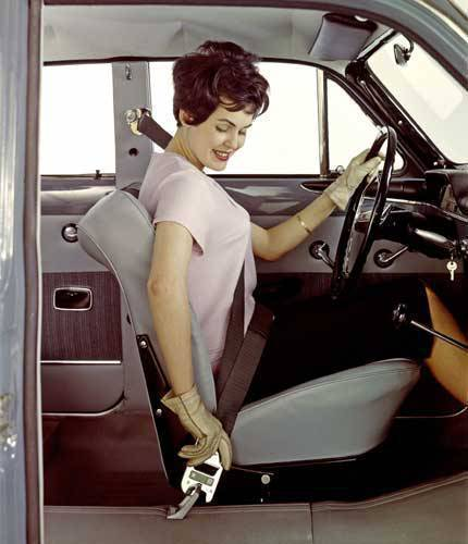 Three-point seatbelt