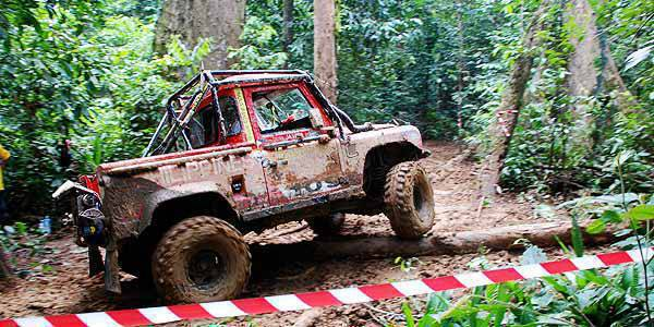 Team Land Rover Philippines at the 2009 Rainforest Challenge Malaysia