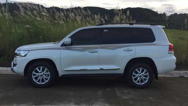 Land Cruiser Premium 200. 1 of 20 1db3af70a92af