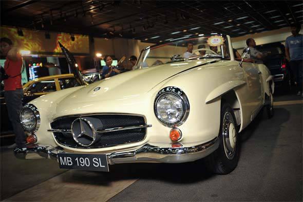 1958 Mercedes-Benz 190 SL at the MIAS 2011