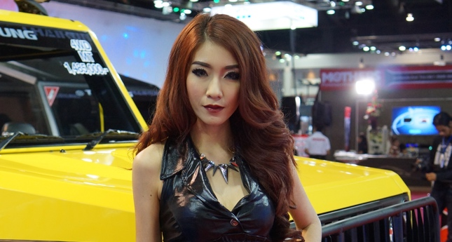36th Bangkok Motor Show girls