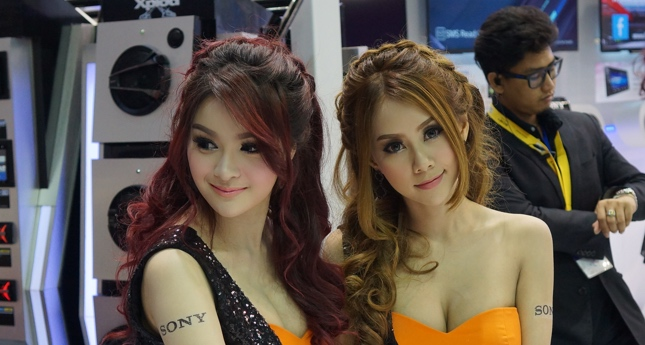 36th Bangok Motor Show girls