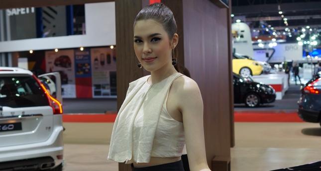36th Bangkok Motor Show girls
