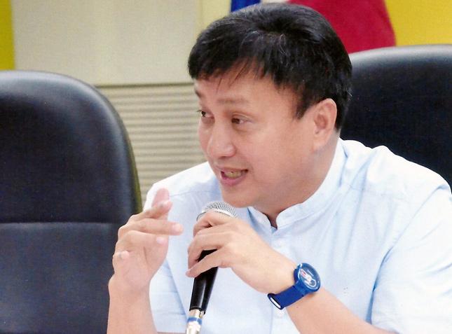 MMDA chairman Francis Tolentino