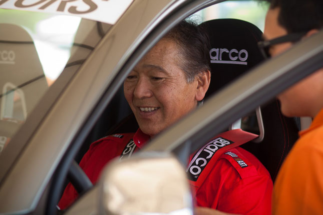 Racing legend takes the all-new Strada for a spin at the Mitsubishi Summer Expo