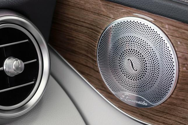 2015 Ward's 10 Best Interiors: 2015 Mercedes-Benz C400