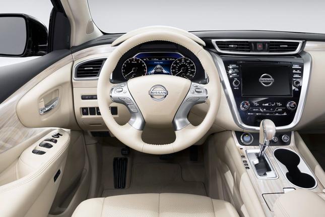 2015 Ward's 10 Best Interiors: 2015 Nissan Murano SL
