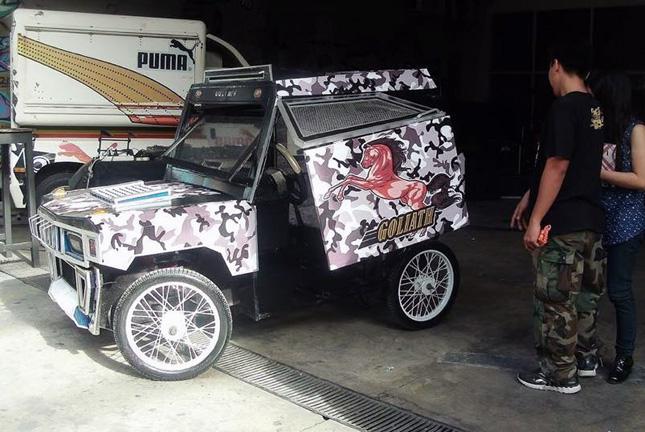 Hummer pedicab