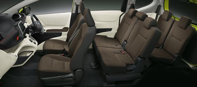 Toyota Sienta interior