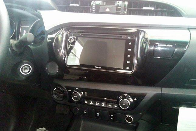 Philippine-market Toyota Hilux's interior