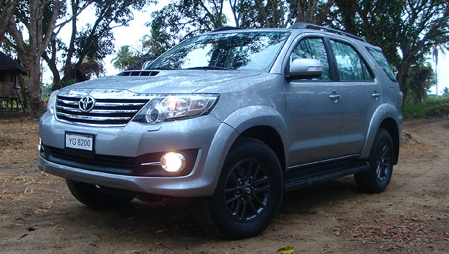 Toyota Fortuner 3 0 V At Philippines Reviews Specs Amp Price