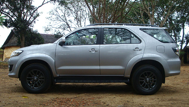 Toyota Fortuner 3.0 V AT Philippines: Reviews, Specs & Price