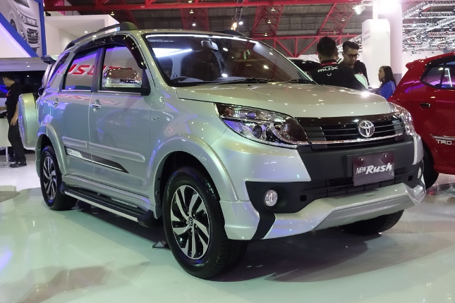 Cars at the Indonesia International Motor Show 2015