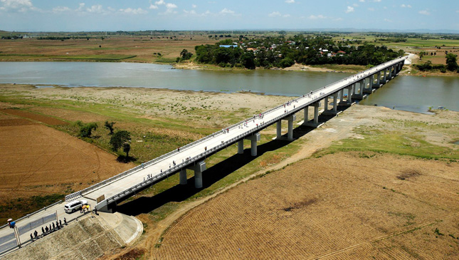New roads and bridges in the Philippines