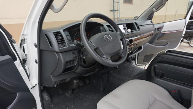 Toyota Hiace Super Grandia LXV