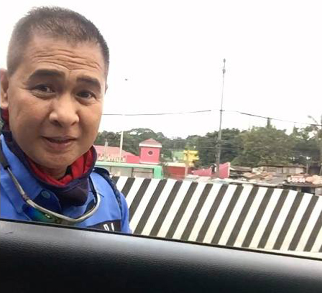 MMDA traffic officer caught asking for bribe