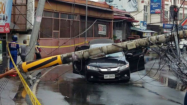 Electric post accident in San Juan