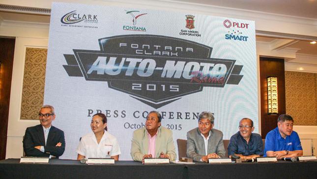 Moto-Autorama officials