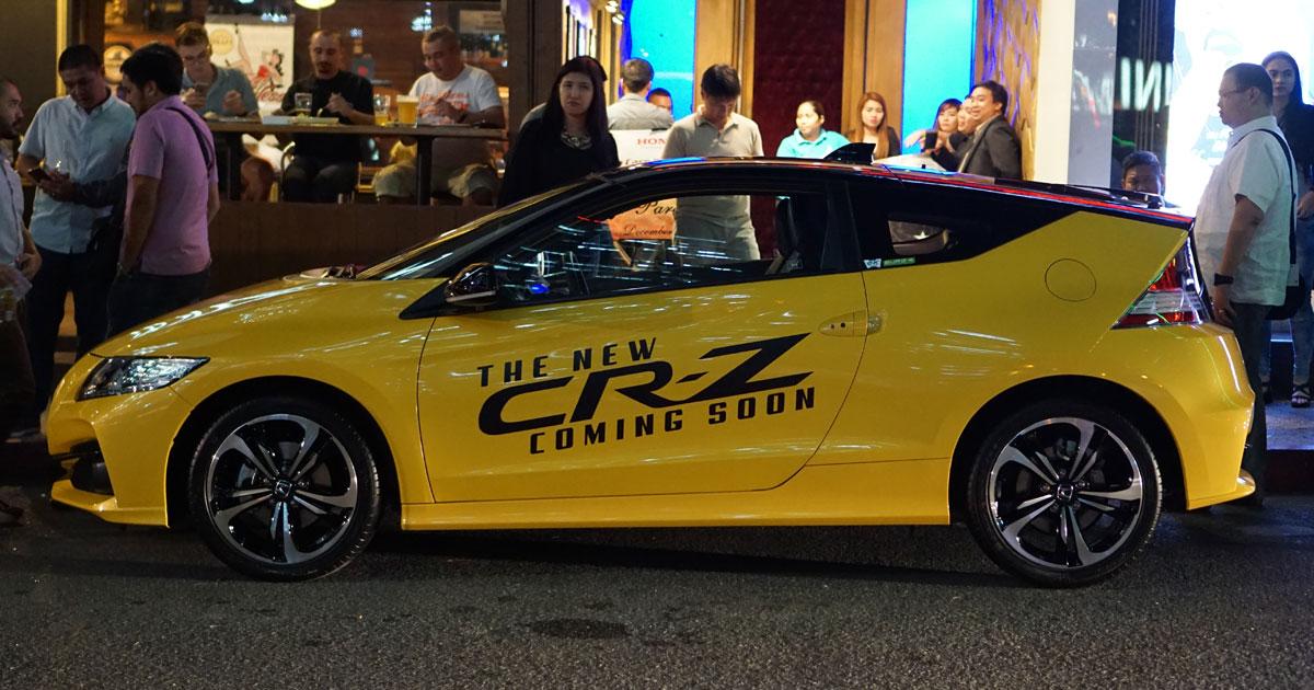 The Honda Cr Z Sporty Hybrid Has A New Look