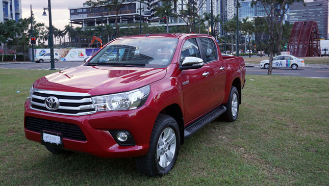 Toyota Hilux 2 8 4x4 G At Philippines Reviews Specs Price