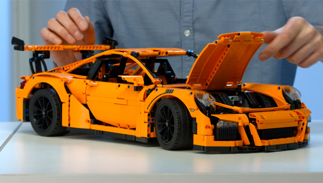 new lego porsche 911 gt3 rs takes attention to detail to a. Black Bedroom Furniture Sets. Home Design Ideas