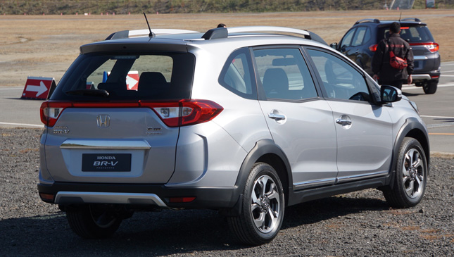Buzz the honda br v could arrive end of 2016 and the for Honda brv philippines