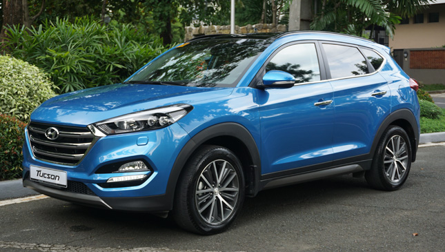 hyundai tucson 2 0l crdi awd review specs price. Black Bedroom Furniture Sets. Home Design Ideas