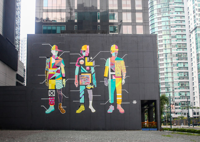 Walking around bonifacio global city is more pleasant with for Bonifacio mural