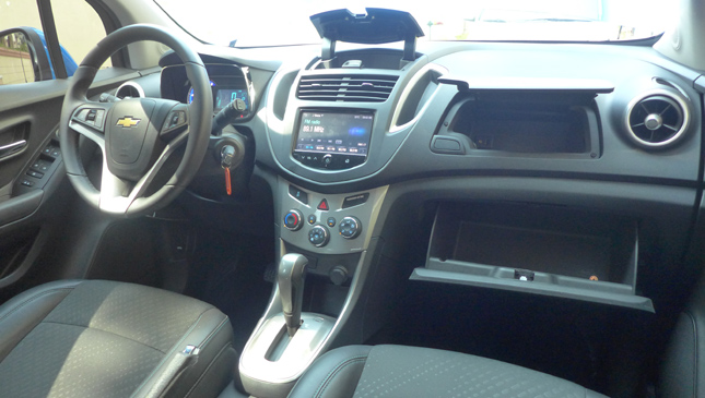 Chevrolet trax 14t fwd lt review specs price top gear chevrolet trax interior sciox Image collections