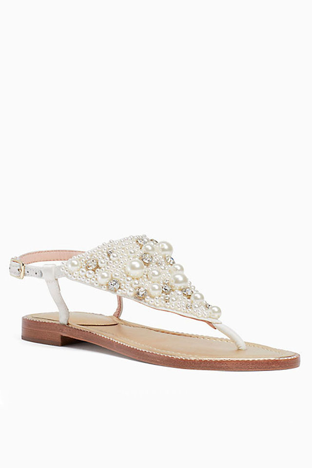 1472dc4a135c The Best Shoes to Wear to a Beach Wedding